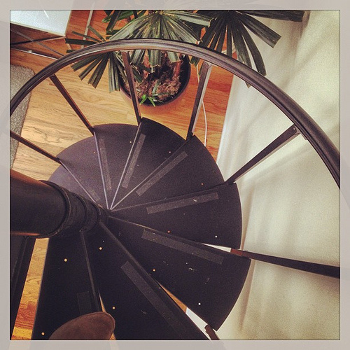 A Guide to the Different Types of Spiral Staircases