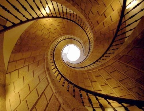 5 Famous Spiral Staircases Around the World